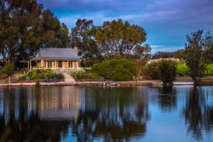Stonewell Cottages and Vineyards - Accommodation Georgetown