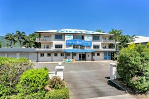 Cairns Reef Apartments  Motel