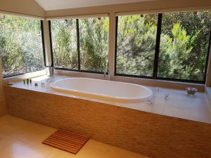 Jarrah Grove Forest Retreat - Accommodation Georgetown